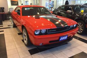 Dodge: Challenger SRT8