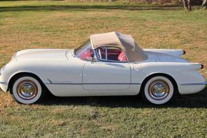 Chevrolet: Corvette Base Convertible 2-Door