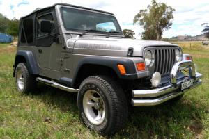 Jeep Wrangler Sport 4x4 2001 2D Softtop Manual 4L Multi Point F INJ