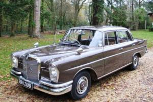 1964 Mercedes-Benz 220S Fintail