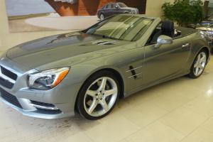 Mercedes-Benz: SL-Class Base Convertible 2-Door