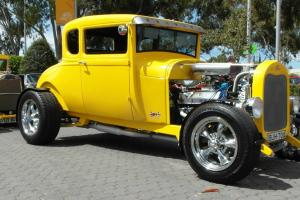 1928 Ford Hotrod HOT ROD Coupe 351 Hiboy 5 Window in SA