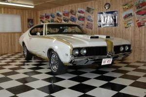 Oldsmobile: Cutlass Hurst (Clone) Photo