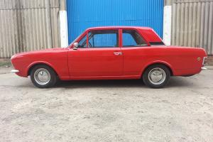 FORD CORTINA MK2 2 DOOR LOTUS LOOKALIKE - 2.0 ZETEC  Photo