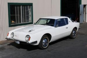 1964 Studebaker Avanti Photo