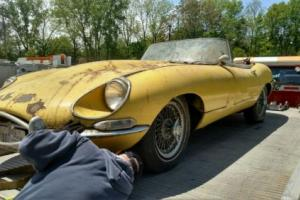 Jaguar E type 1967 Serie 1 ots, matching numbers, great deal, don't miss! Photo