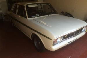 FORD CORTINA MK2 LOTUS WHITE/Green