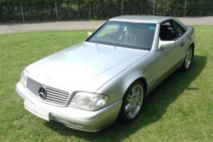Mercedes-Benz 300 SL Auto -model R129. Genuine low Milage.