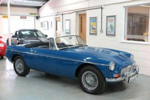 1966 MG B 1.8 Roadster - Chrome Bumper - Mineral Blue