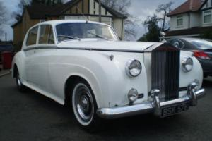 1957 ROLLS ROYCE SILVER CLOUD 1 for restoration. Photo