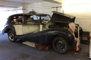 Rolls Royce silver wraith restoration project Barn find Photo
