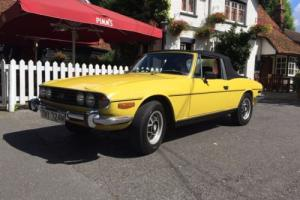 1974 TRIUMPH STAG AUTO YELLOW CLASSIC CAR Photo