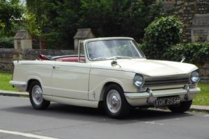 1968 TRIUMPH HERALD 13/60 CONVERTIBLE - Freshly restored - Cream - Red interior Photo