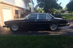 1986 Jaguar XJ6 vanden plas Photo