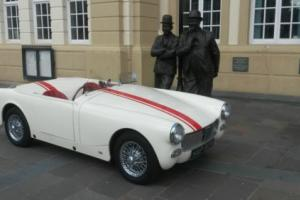 1972 MG MIDGET ROADSTER WHITE/CREAM 26K SPENT ON REBUILD !