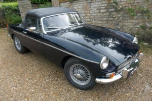 MGB Roadster 1972 Finished in midnight blue.