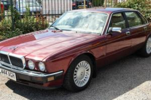 JAGUAR XJ40 - XJ12 V12 6.0 Auto January 1994 Regency Red Doeskin Leather 82,200m Photo