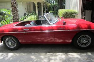 1965 MG MGB Photo