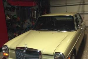 1973 Mercedes-Benz 200-Series 220D w115