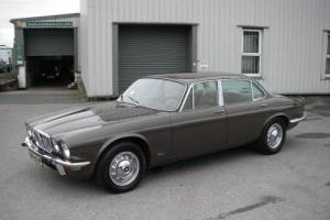 1975 JAGUAR XJ12L Series II 5.3 V12 Automatic LWB Saloon Photo