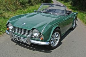 TRIUMPH TR4 GREEN 1964 UK RHD example Photo