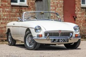 1963 MG B Roadster Photo