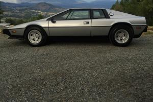 Lotus: Esprit S2 Photo