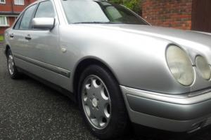 MERCEDES E280 AUTO LONG MOT V6 ALLOYS LEATHER ALLOYS 97000 MILES 124 210 W SE