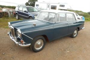 1971 WOLSELEY 16/60 FOR RESTORATION,TWIN CARBS ! BEAUTIFUL UPHOLSTERY
