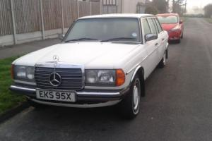 mercedes classic car Photo