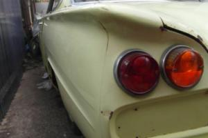 FORD CONSUL CAPRI YELLOW Photo