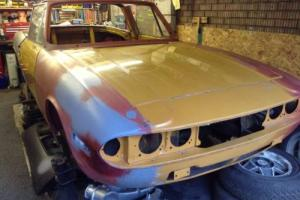 1972 MK1 TRIUMPH STAG VERY GOOD BODY SHELL COMPLETE WITH ENGINES & GEARBOXES