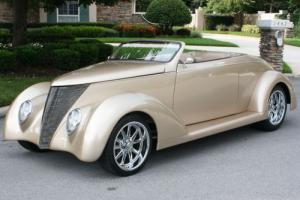 1937 Ford ROADSTER - HIGH END BUILD LS1 & BAGGED - A/C - 800 MI