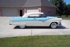 1955 Ford Fairlane covertible