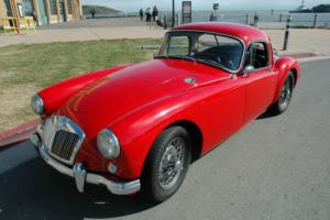 1958 MG MGA Coupe Photo