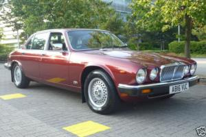 1984 JAGUAR SOVEREIGN 4.2 AUTO CRANBERRY RED LOW MILEAGE EXAMPLE. MUCH SPENT