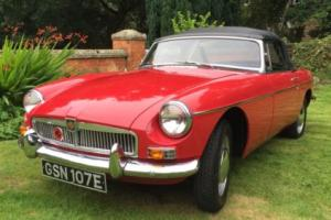 1967 MGB ROADSTER RED OVERDRIVE