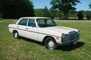 1968 Mercedes-Benz 200-Series 220D 4 door sedan