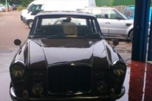 VANDEN PLAS PRINCESS 3 LITRE BROWN/GREY