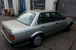 bmw e30 320 manual (100%original condition)full service history perfect drive