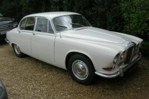 DAIMLER SOVEREIGN 420 , 12MONTHS MOT AND TAX, IS TAX EXCEMPT, LOW RESERVE.