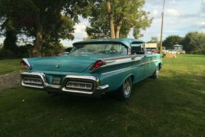 "ORIGINAL LOW MILES '58 MERCURY MONTERY PILLARLESS,WITH CLASSIC"" RAY GUN "" LIGHTS"