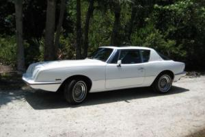 1985 Studebaker Avanti Photo