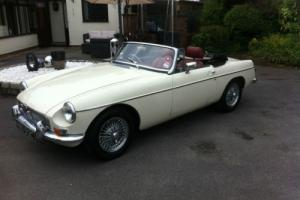 1965 MGB ROADSTER WHITE MANUAL 11K MILES Photo