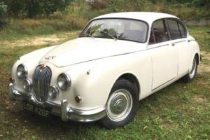 Jaguar Mk2 - 3.4 manual with overdrive