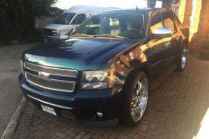 2007 CHEVROLET AVALANCHE LTZ Chevy ( Cadillac Escalade) Pearlescent Green Photo