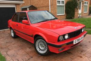 BMW E30 318is (1990)