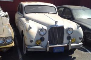 1960 Jaguar Mk IX Photo