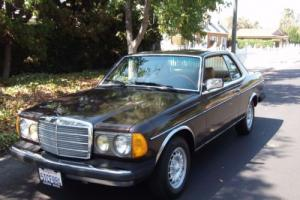 1982 Mercedes-Benz 300-Series coupe