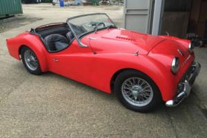 TRIUMPH TR3 1959 RED GREAT BODYWORK NEEDS ENGINE WORK